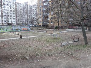 Bývalé ihrisko na sídlisku