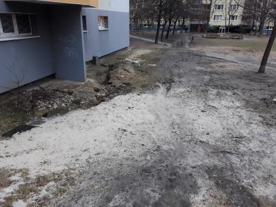 Neporiadok po stavebníkoch pri bytovom dome