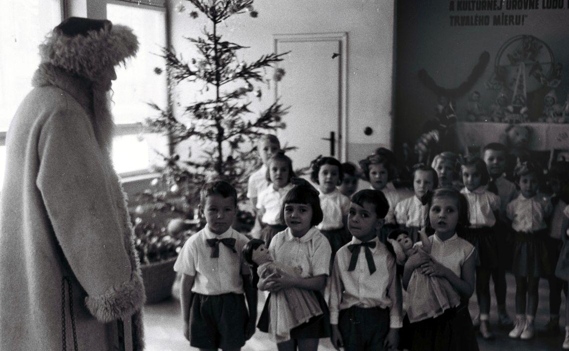 komunisti snažili zrušiť Vianoce
